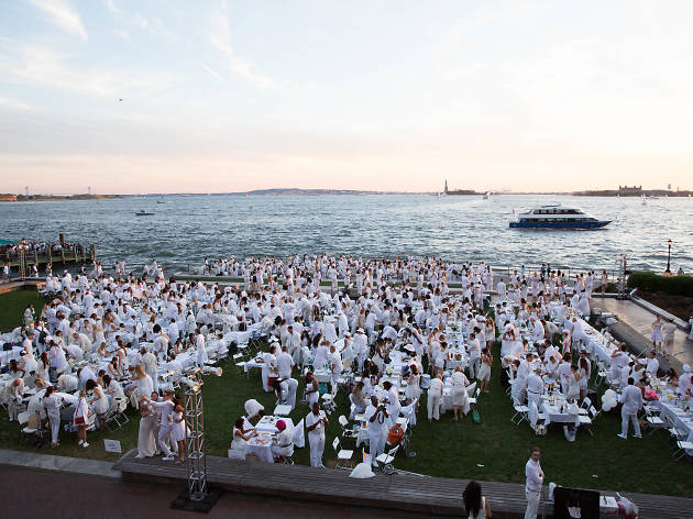 This is what happens when you go to Dîner en Blanc in NYC