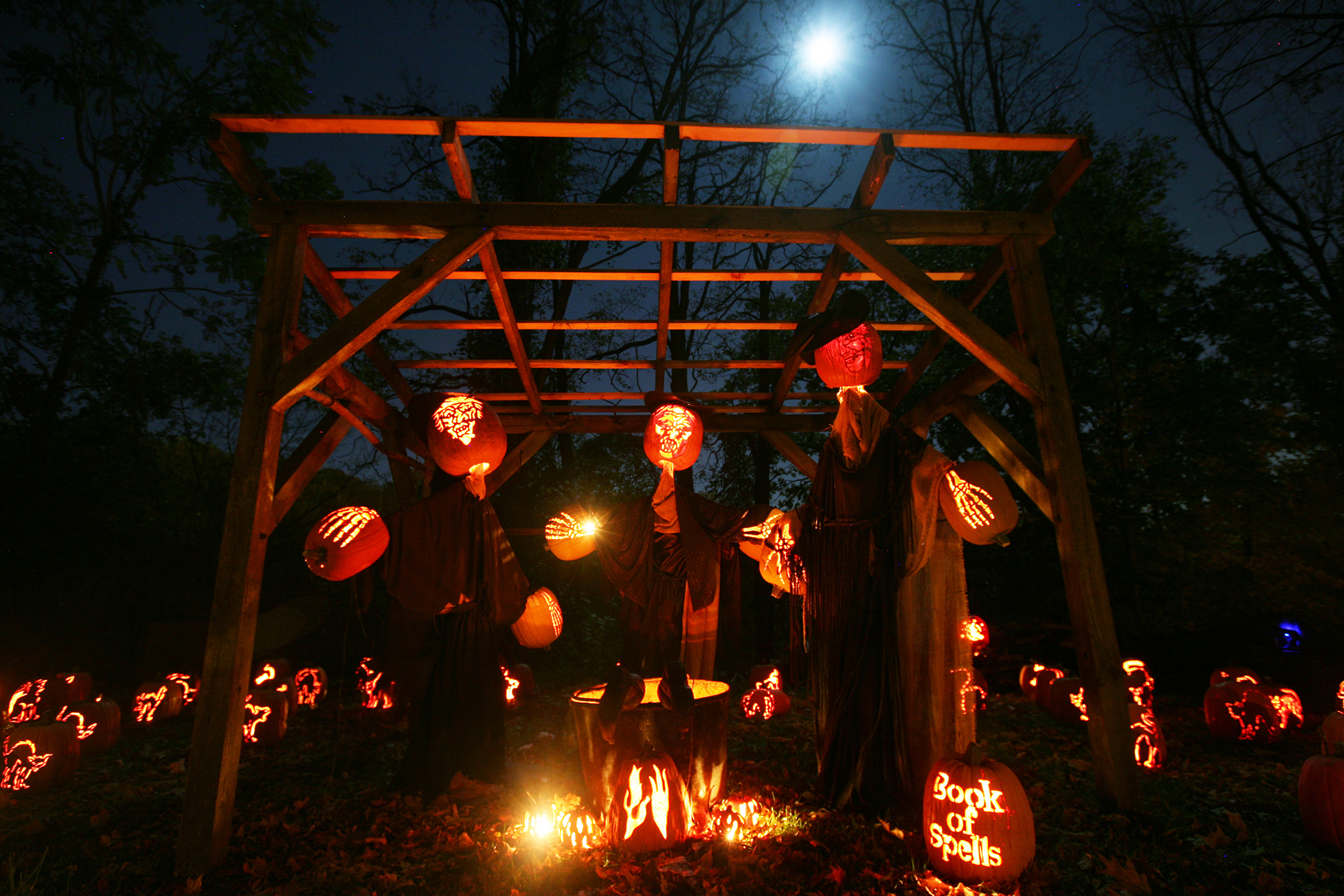 Halloween in nyc guide highlighting the spookiest fall events for How to have a great halloween party