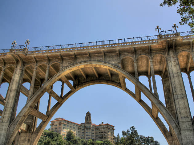 "Pasadena's ""Suicide Bridge"""