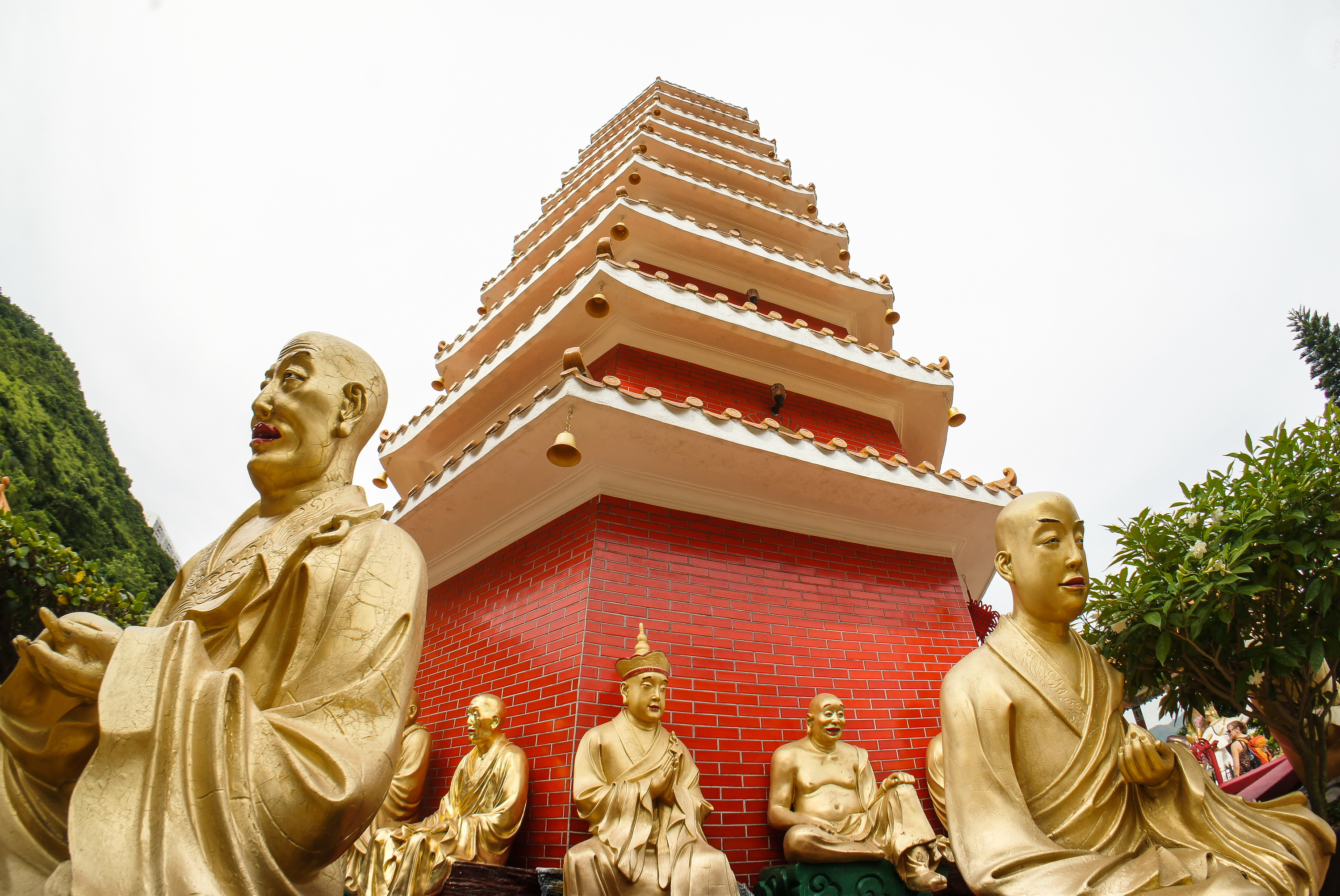 10 Buddhas to look out for at the Ten Thousand Buddhas Monastery