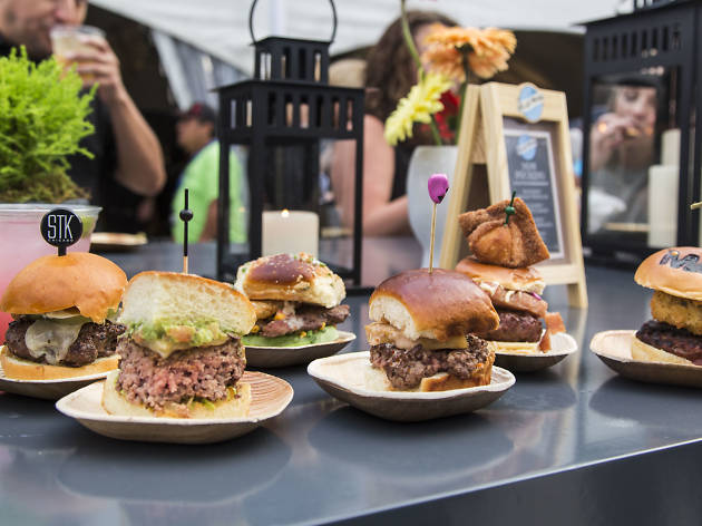 Photos from Chicago Gourmet's Hamburger Hop 2016