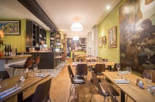 ratapoil du faubourg restaurants in 10th arrondissement paris. Black Bedroom Furniture Sets. Home Design Ideas