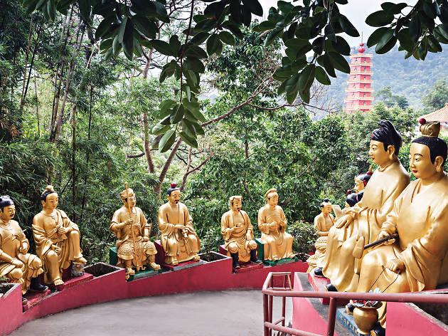 10,000 Buddhas Monastery