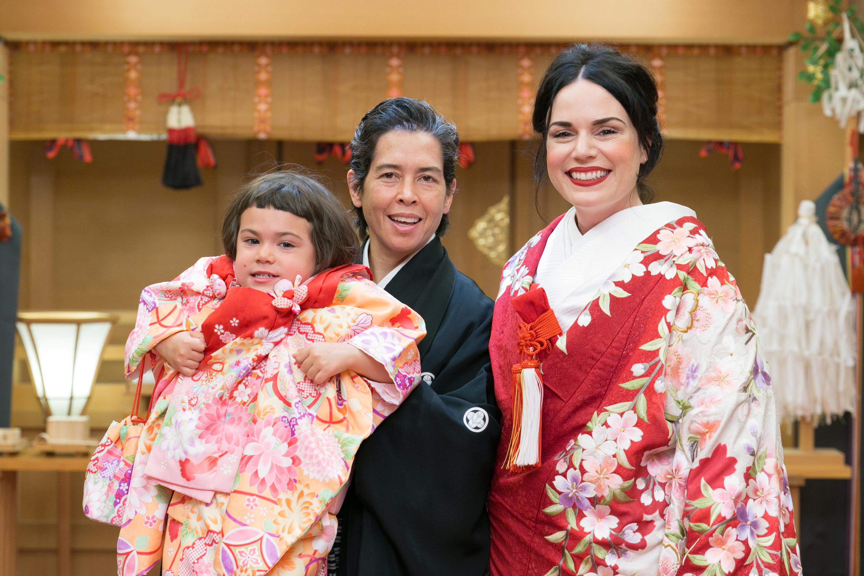 日本で式を挙げた米レズビアン家族