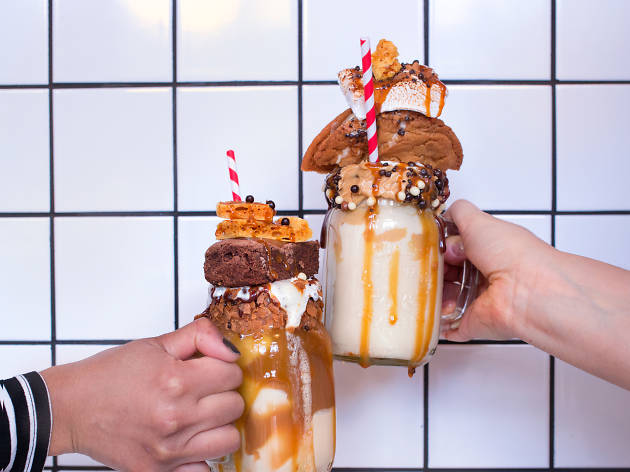 freakshakes at Molly Bakes Cafe