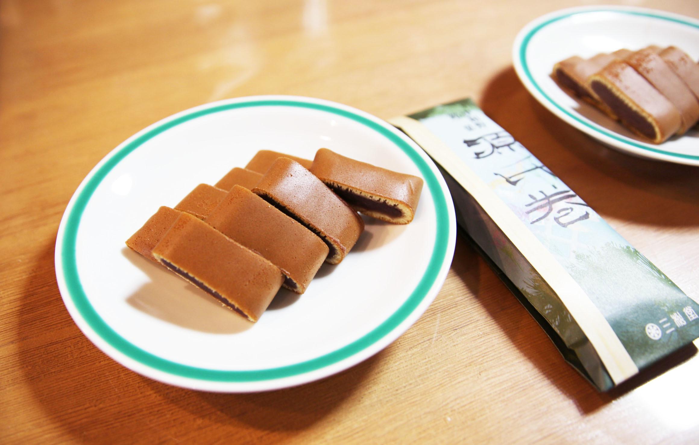 源氏巻は食べ比べする。