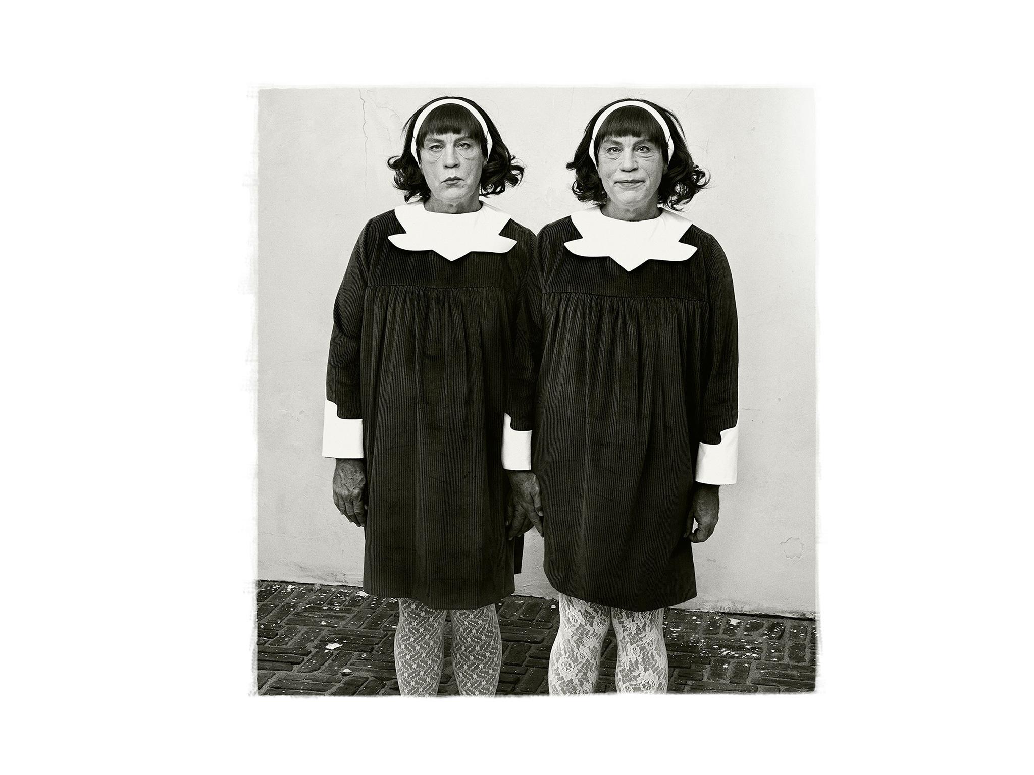 Diane Arbus'un 'Identical Twins' adlı eserine Sandro Miller'ın getirdiği yorum