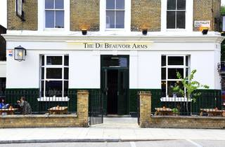 The De Beauvoir Arms