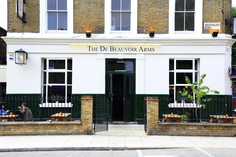 The De Beauvoir Arms