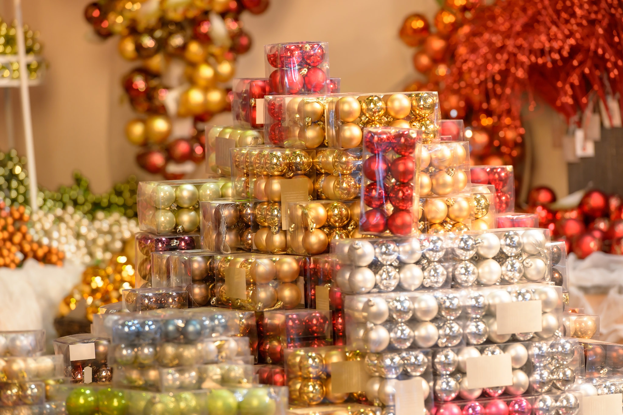christmas ornament stores