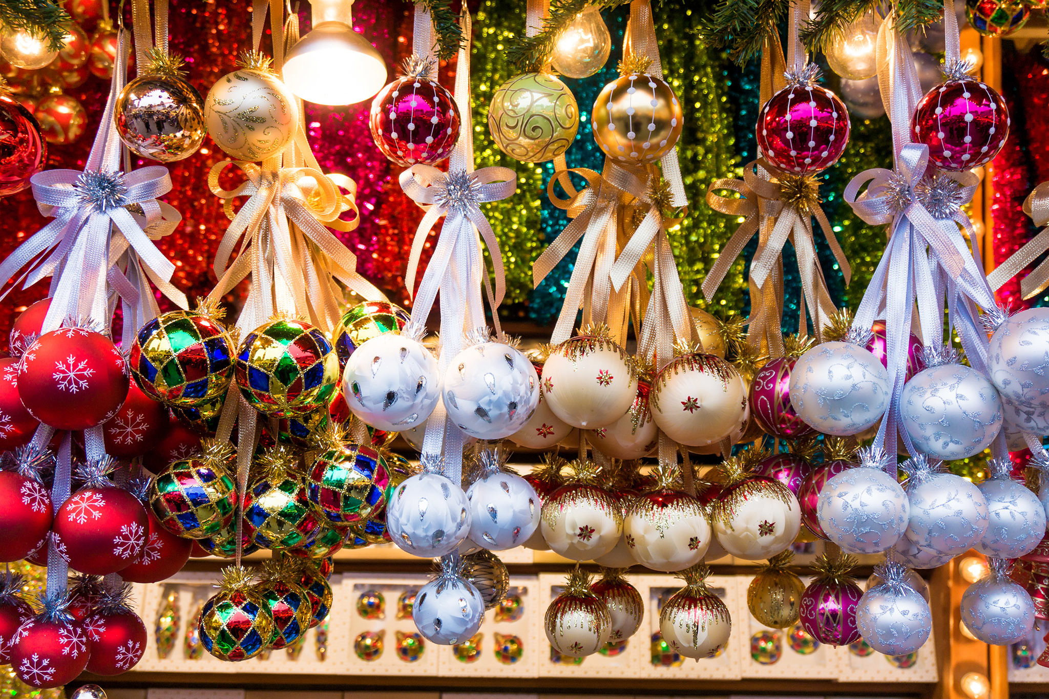 ornament shop - New York Christmas Decorations