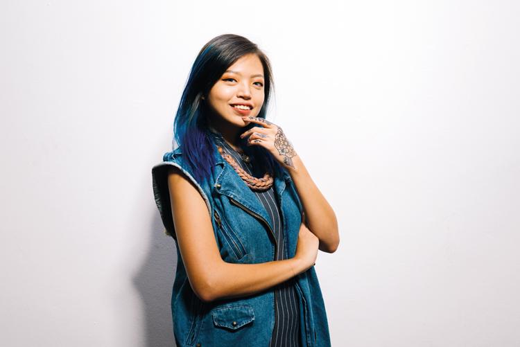 Henna artist, See Min Ng