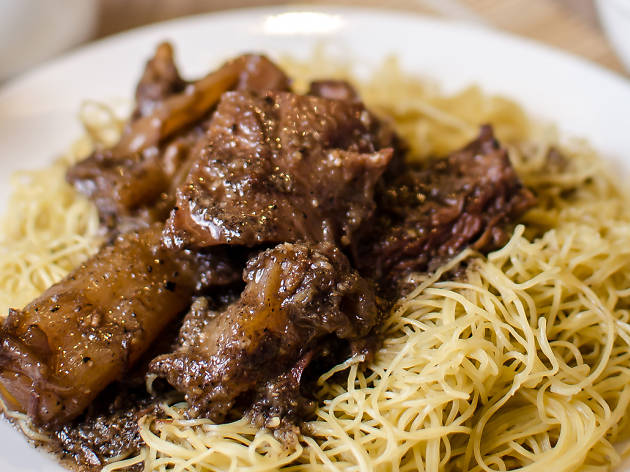 Mak's Chee beef brisket and tendon noodles