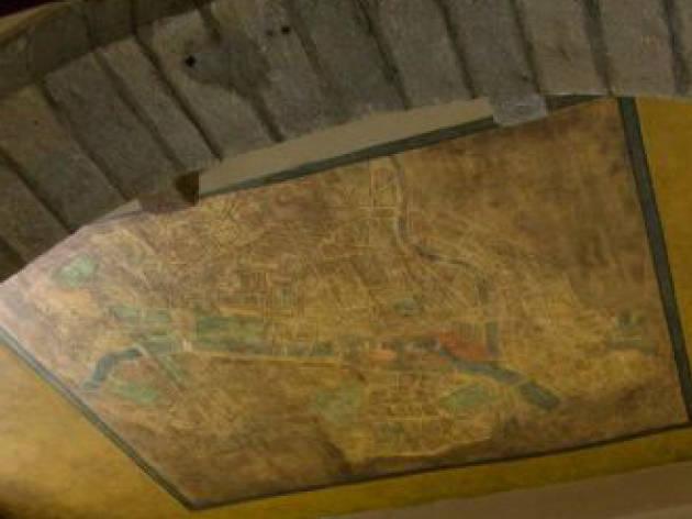 El mapa de París de sota les voltes de la Rambla