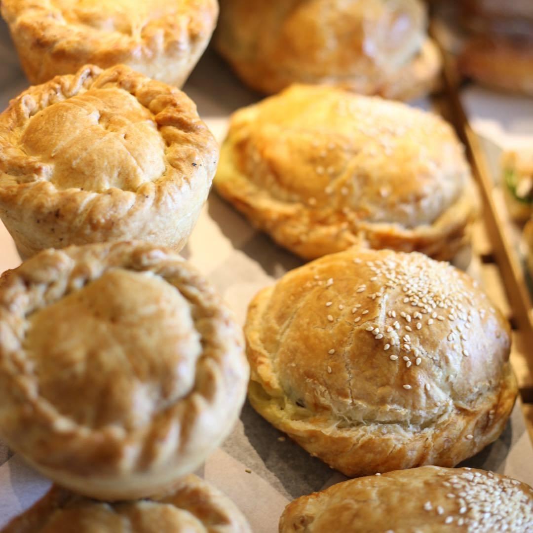Baker D Chirico pies
