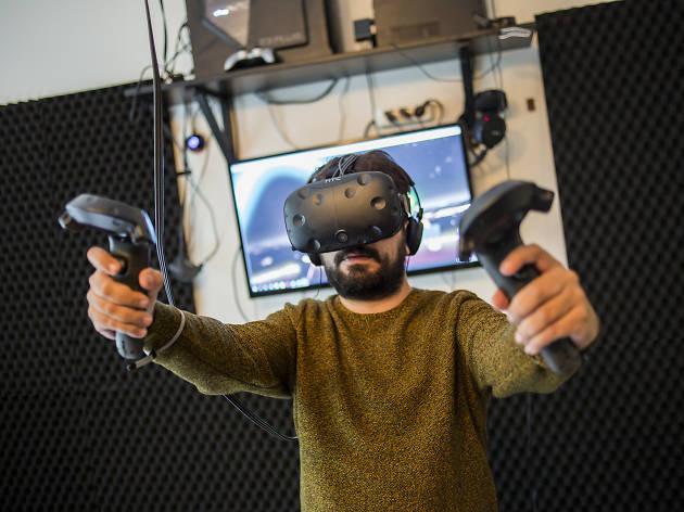 Portal'da VR teknolojisinden faydalanan oyunları oynayabilirsiniz.