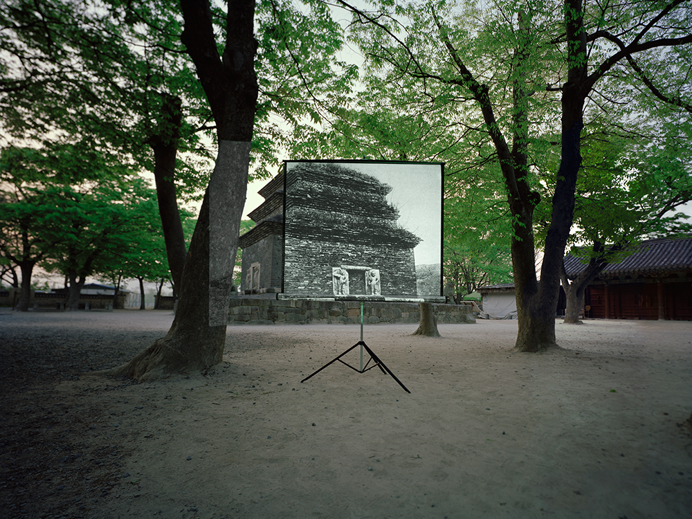 historic present011,160x127(cm), digital c-print, 2009