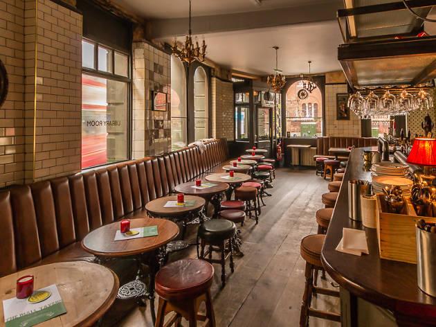 Mall tavern restaurants in kensington london for 71 73 palace gardens terrace notting hill london w8 4ru