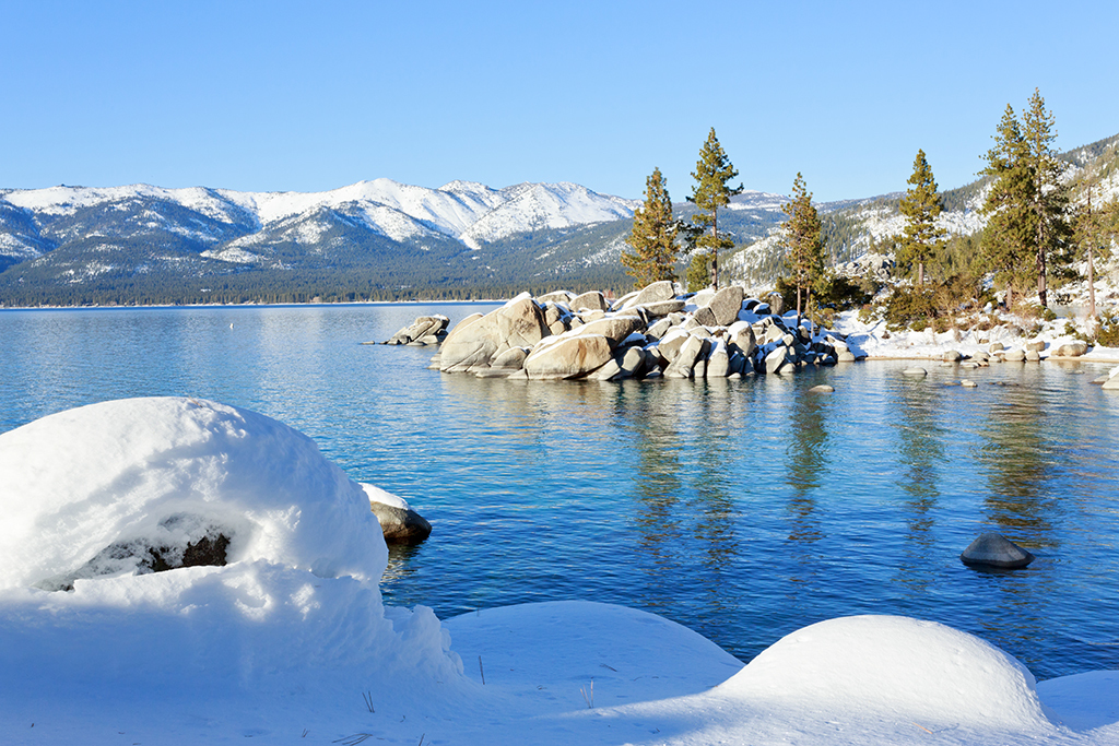 Best winter vacations in america at ski resorts and beach for Winter trip in usa