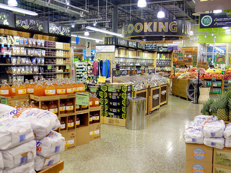Best grocery stores open on Thanksgiving Day
