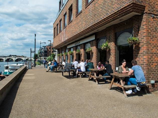 Four alfresco riverside pubs in Kingston that are worth the trek