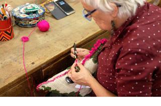 A avó veio trabalhar (Fotografia: Ana Luzia)