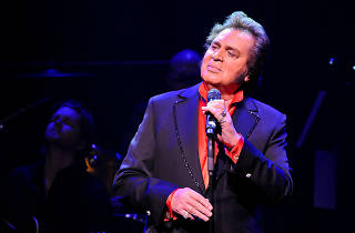 Engelbert live in Colombo