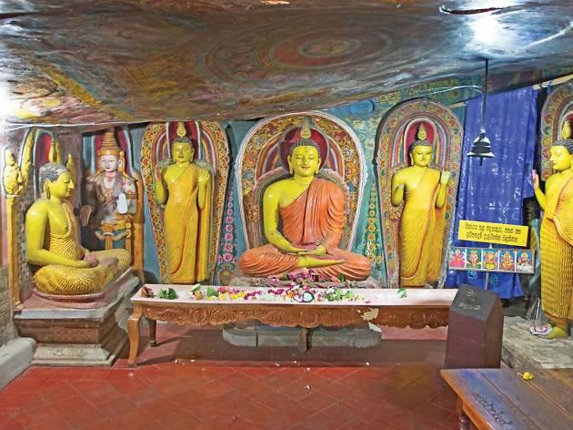 Aluvihare Rock Temple