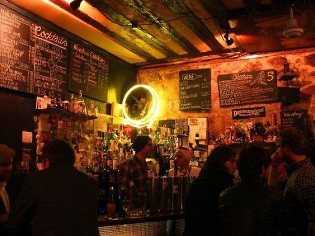 The best cheap bars in Paris