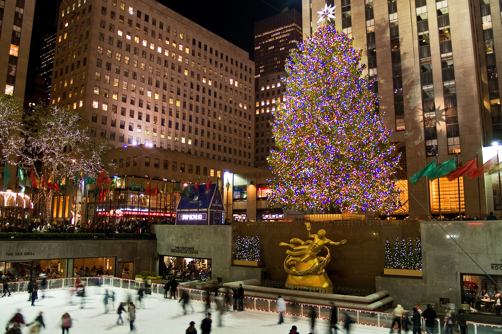 Camera Rockefeller Center : Photos of the rockefeller center christmas tree through the years