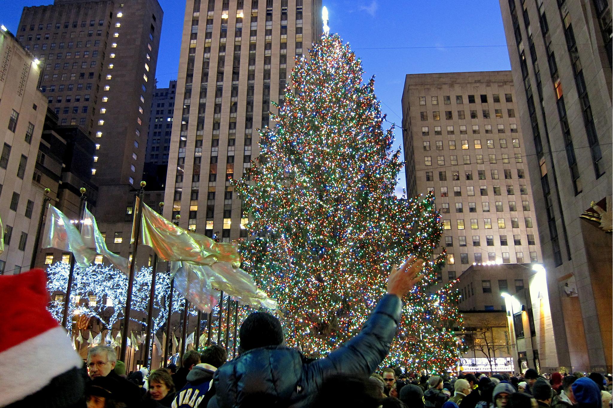 Photos Of The Rockefeller Center Christmas Tree Through