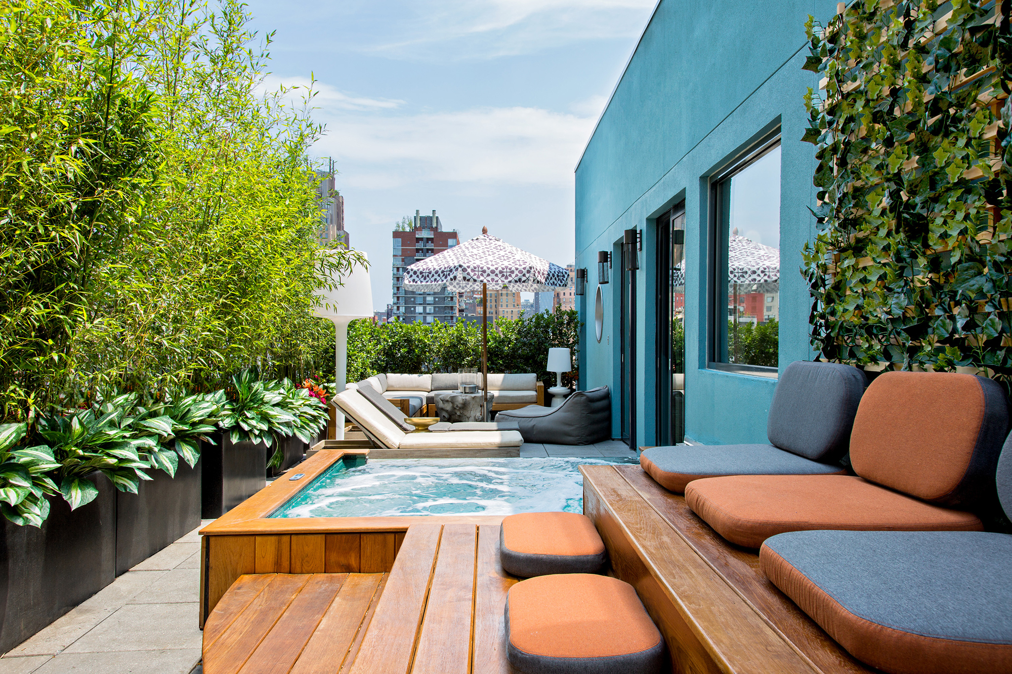 Best NYC hotels with Jacuzzis in rooms including rooftop spas : image from www.timeout.com size 2048 x 1365 jpeg 3549kB