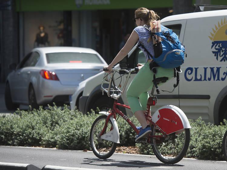 A la feina en bici o corrent