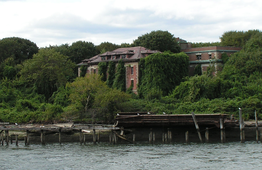 This creepy abandoned island in the East River may soon open to the public