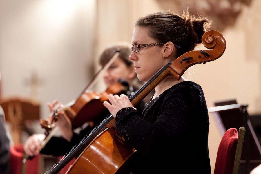 English Symphony Orchestra With Emma Johnson & Kenneth Woods