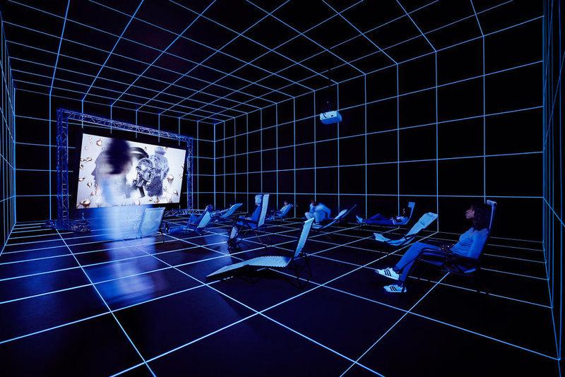 """Dreamlands: Immersive Cinema and Art, 1905–2016"""