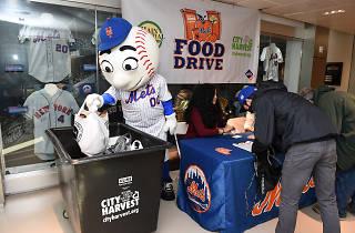 Mets Food Drive