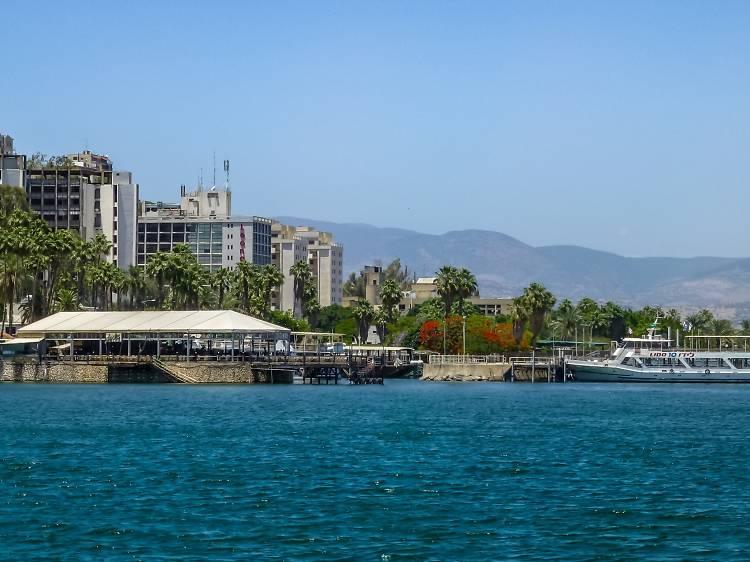Yigal Alon Promenade (Tiberias Promenade) and light show
