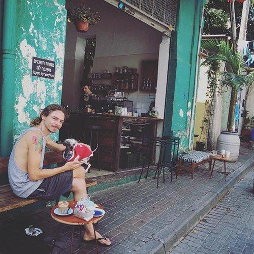 Cafe Yom Tov