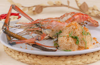Je Ngor's Kitchen prawn with vermicelli