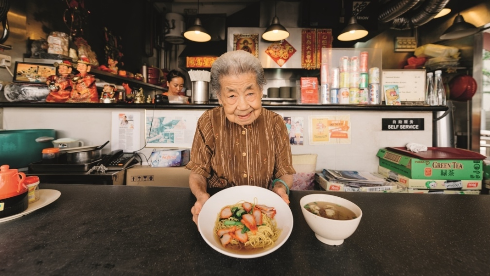 7 pioneer hawkers who've been around since your parents' time