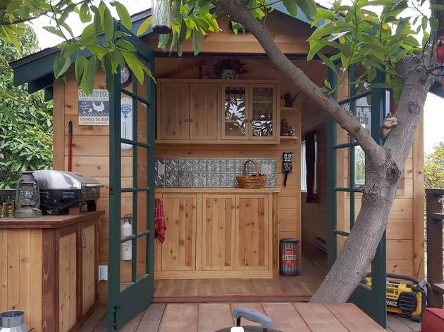 Treehouse Guest House with Farm Stay