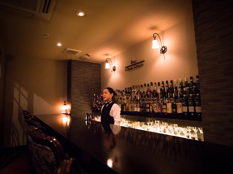 Meet the bar beauties