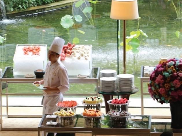 Shangri-La Hotel Saturday high tea buffet