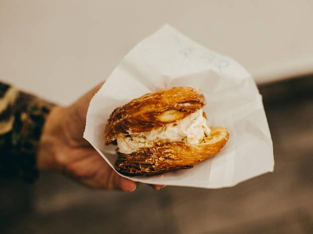 Creamy Bun with Horchata Ice Cream at Bengees