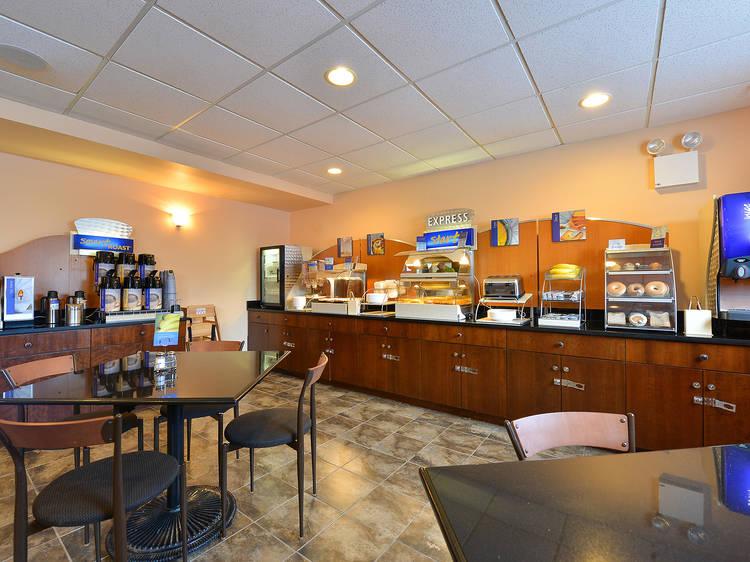 Holiday Inn Express - Staten Island West