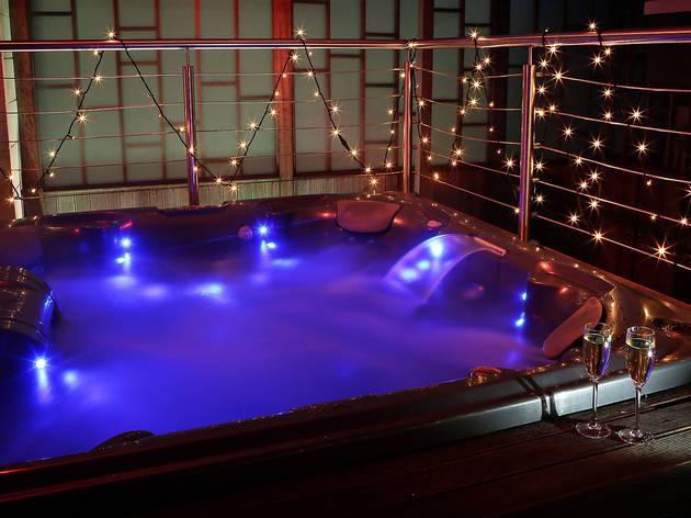 Ten of the best hotel jacuzzis in London, Sanctum