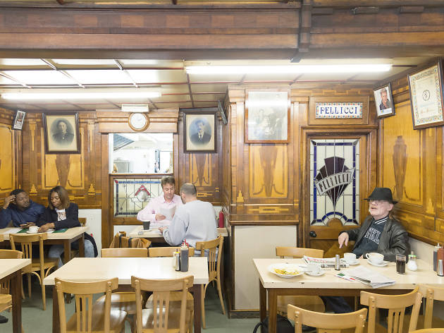 london's best greasy spoon cafes, e pellicci