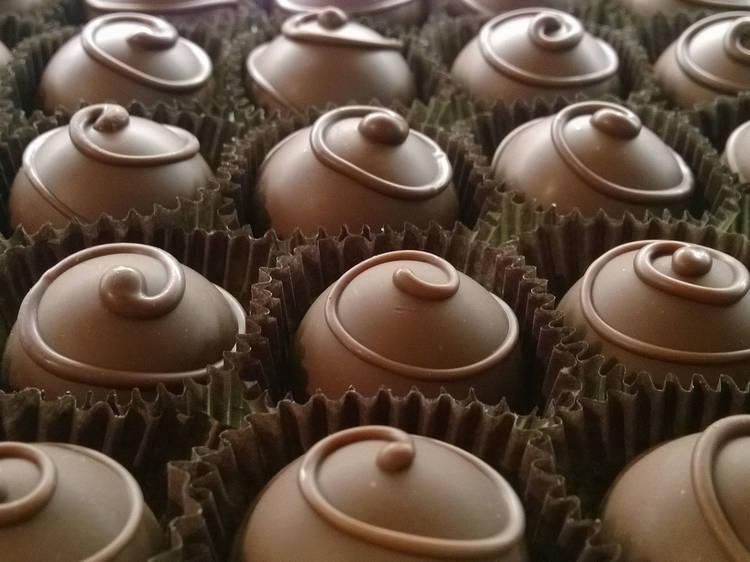 Chocolate-Making 101 at Tache Artisan Chocolate