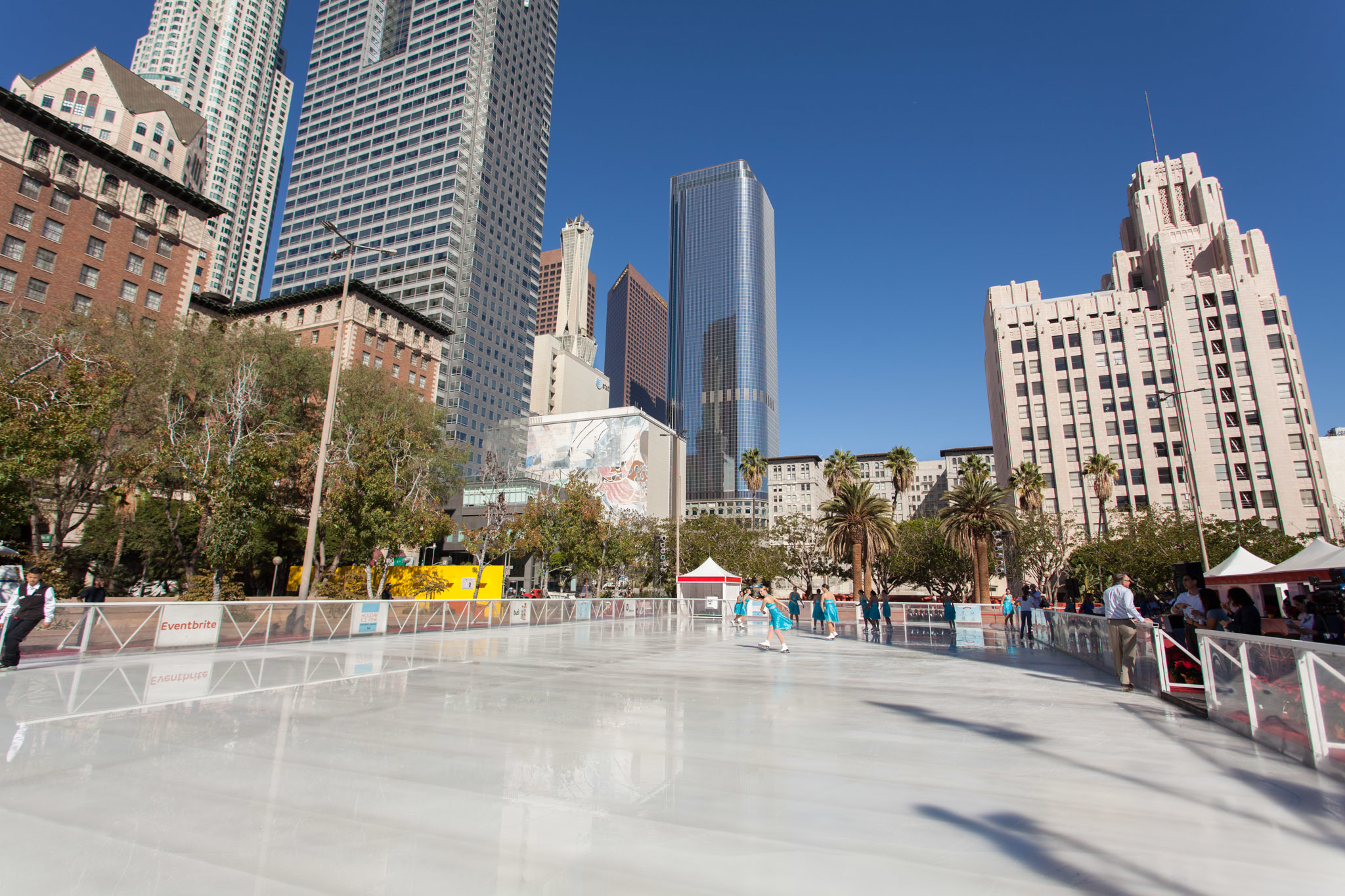 Where to go ice skating in Los Angeles